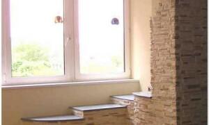 Внутренняя отделка балкона искусственным камнем